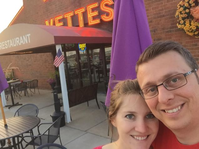 My husband is passionate about Corvettes...so one of our recent date nights was to this bette-themed restaurant.
