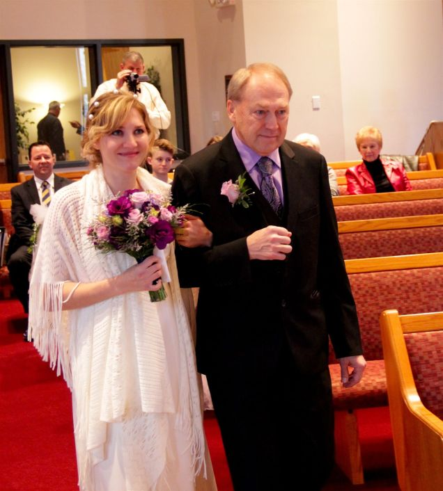 dad-walking-me-down-aisle